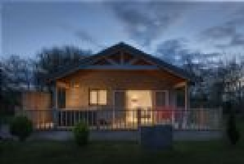 Kingfisher Lodge - Redlake Farm a holiday cottage rental for 4 in Somerton,