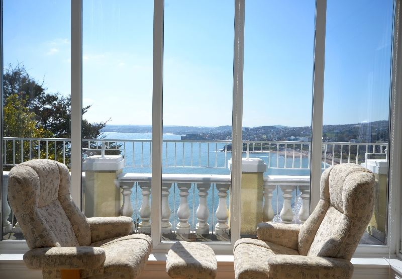 7 Astor House a holiday cottage rental for 4 in Torquay,