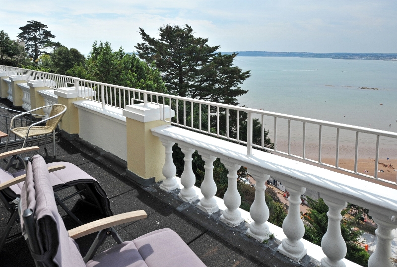 8 Astor House a holiday cottage rental for 4 in Torquay,