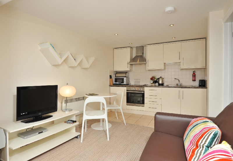 34 Trinity Mews a holiday cottage rental for 3 in Torquay,