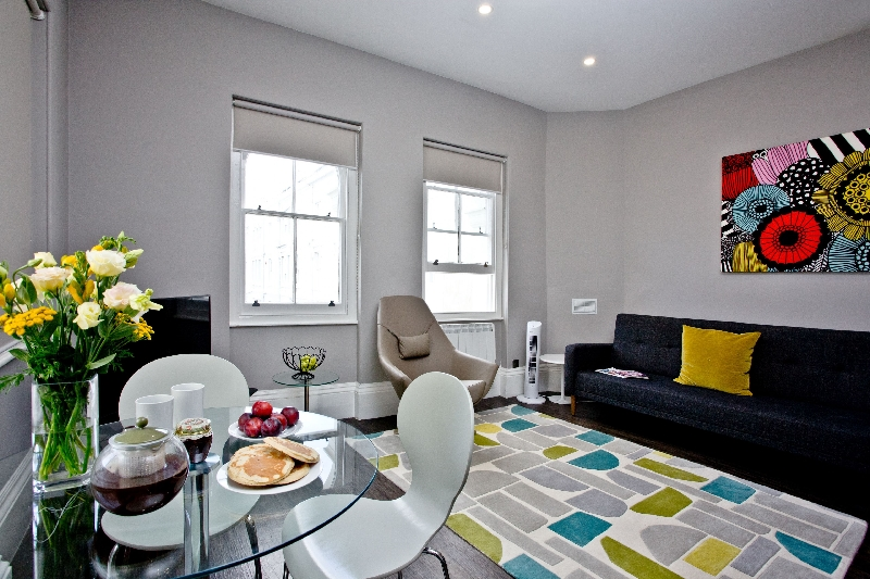 3 - 1 Elliot Terrace a holiday cottage rental for 4 in Plymouth,