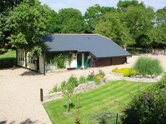 The Old Granary at Kinkell Cottage a holiday cottage rental for 2 in Bashley,