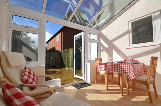 Cucina a holiday cottage rental for 2 in Burley,