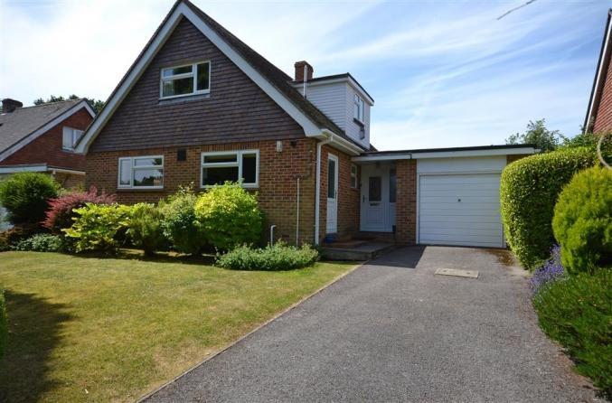5 Newenham Road a holiday cottage rental for 7 in Lymington,
