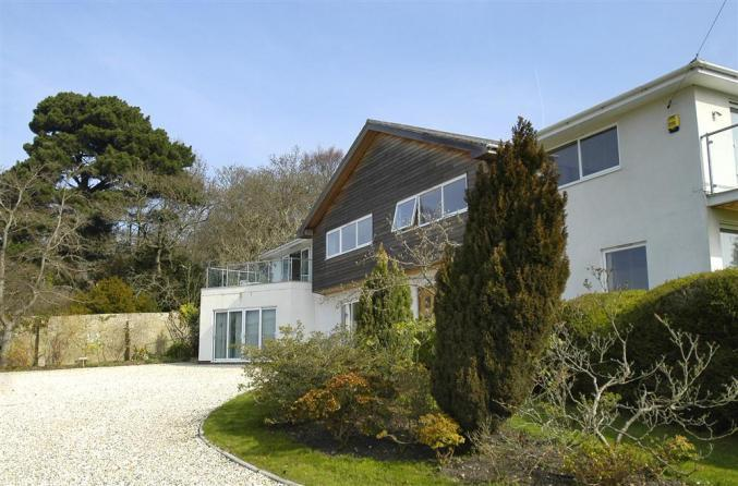 The Crow's Nest a holiday cottage rental for 2 in Lymington,