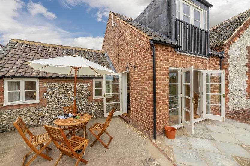 Gallery Cottage a holiday cottage rental for 4 in Wighton,