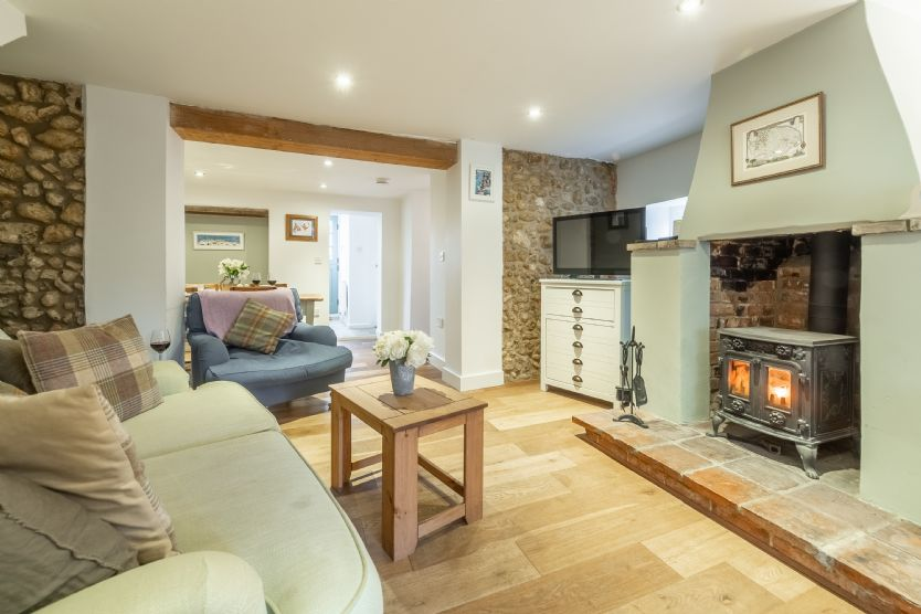Montgomery Cottage a holiday cottage rental for 4 in Docking,