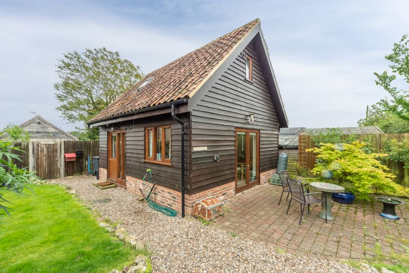 Focsle a holiday cottage rental for 2 in Wiveton,