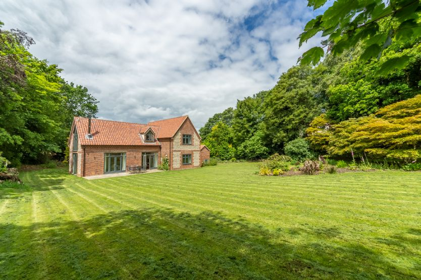 Woodland Pytchley a holiday cottage rental for 6 in West Runton,