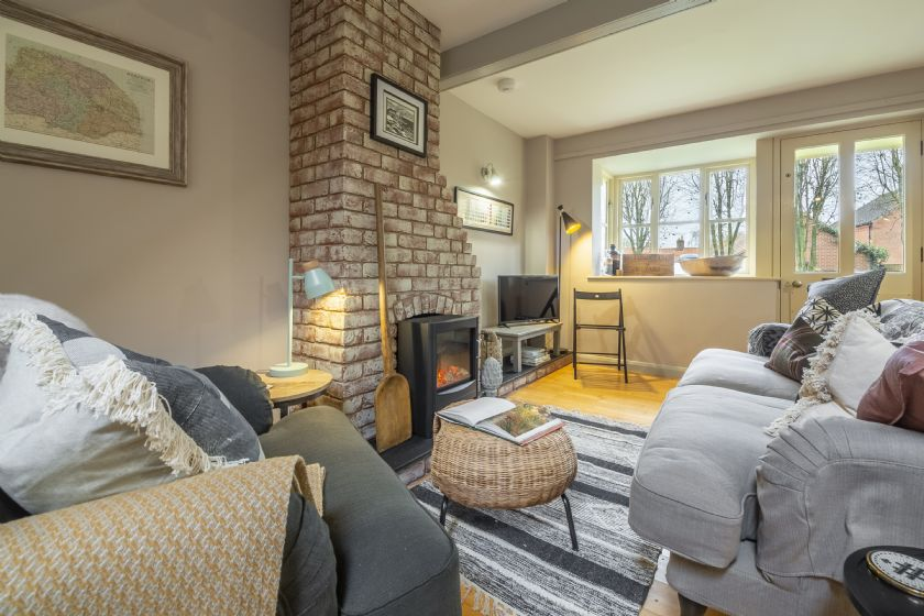 Garden Wall Cottage a holiday cottage rental for 5 in Great Snoring,