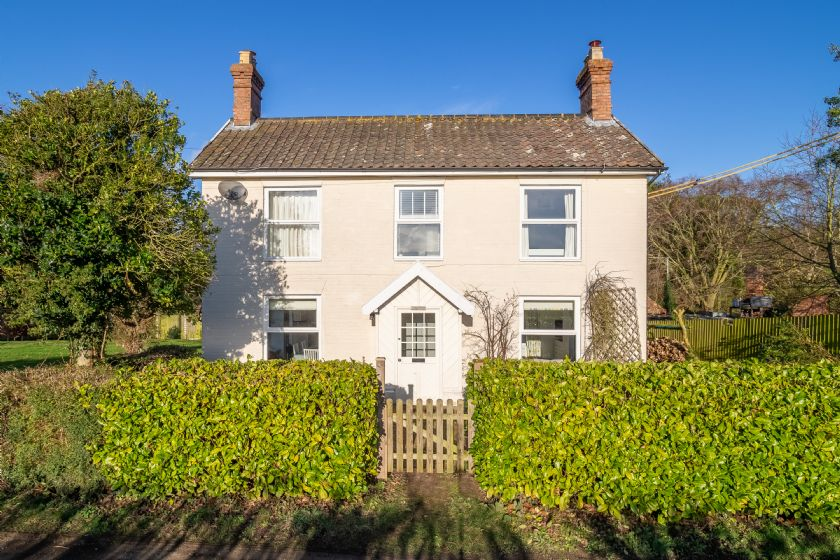 Brook House a holiday cottage rental for 6 in Brinton,