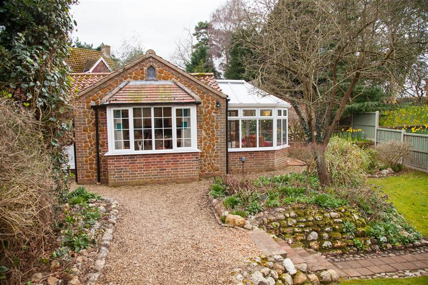 Badgers Den a holiday cottage rental for 2 in Heacham,