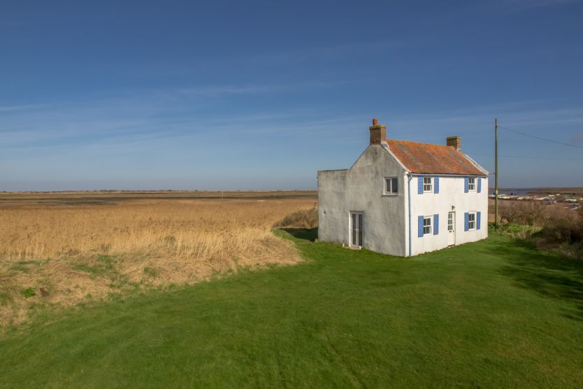 Island House a holiday cottage rental for 6 in Brancaster Staithe,