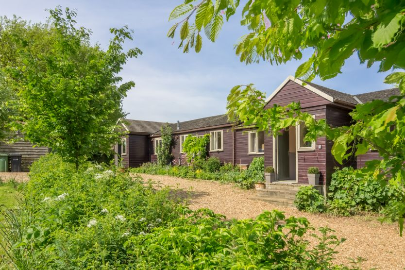 Details about a cottage Holiday at Hollyhock