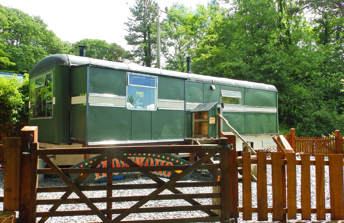 Showman's Wagon a holiday cottage rental for 2 in Taicynhaeaf,
