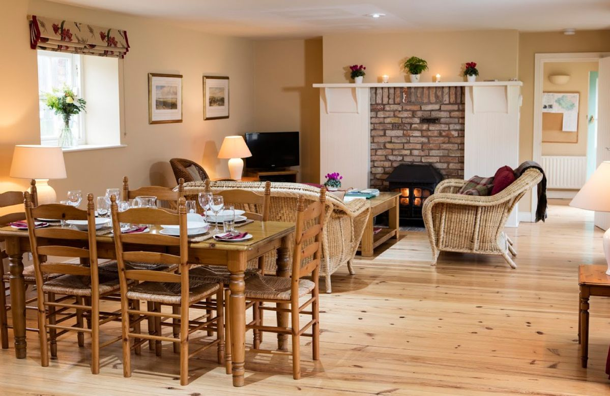 Sycamore Cottage a holiday cottage rental for 6 in Belle Isle Estate,