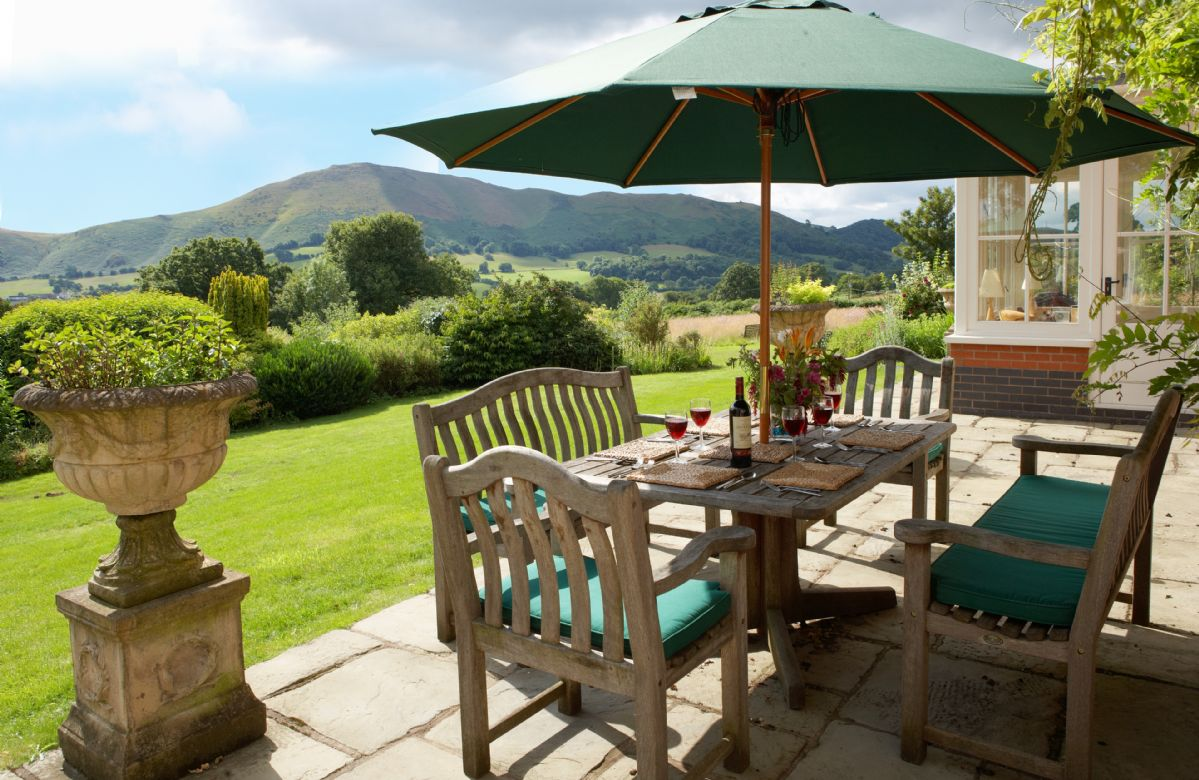 The Oaks a holiday cottage rental for 10 in Inwood,