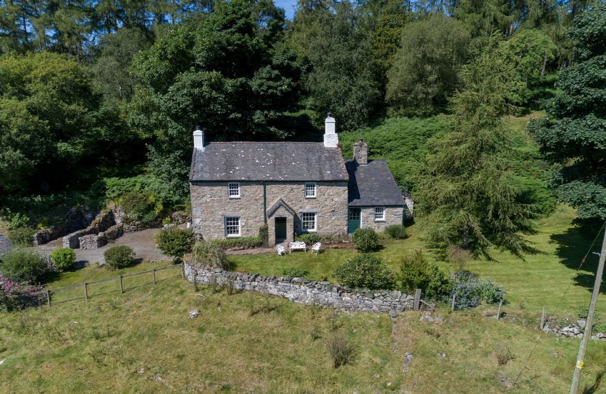 Garth Iwrch a holiday cottage rental for 4 in Bodnant Estate,
