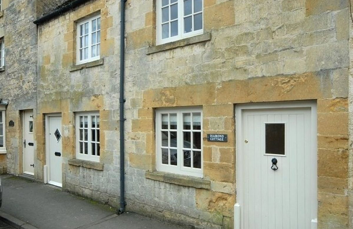 Diamond Cottage a holiday cottage rental for 4 in Chipping Campden,