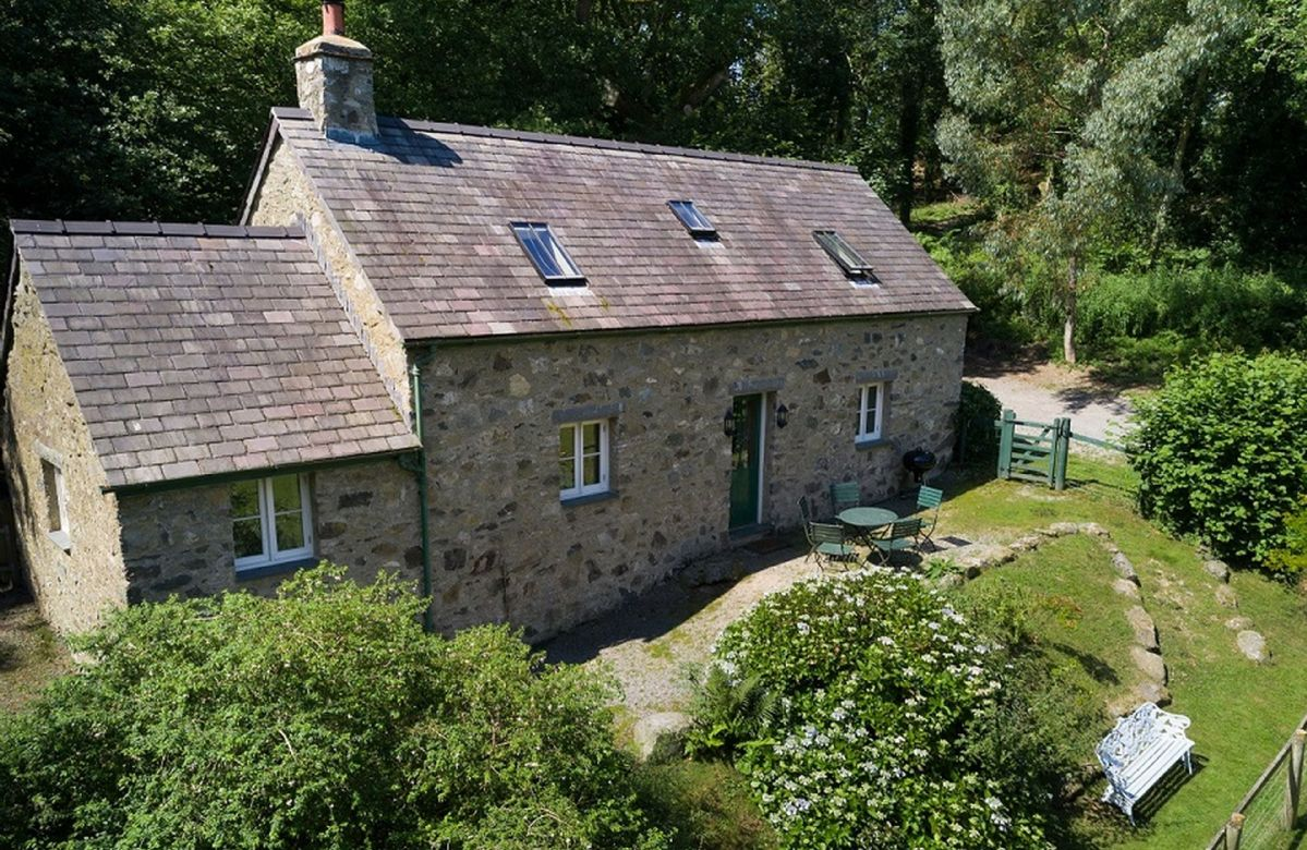 Tyddyn Derwen a holiday cottage rental for 5 in Bodnant Estate,