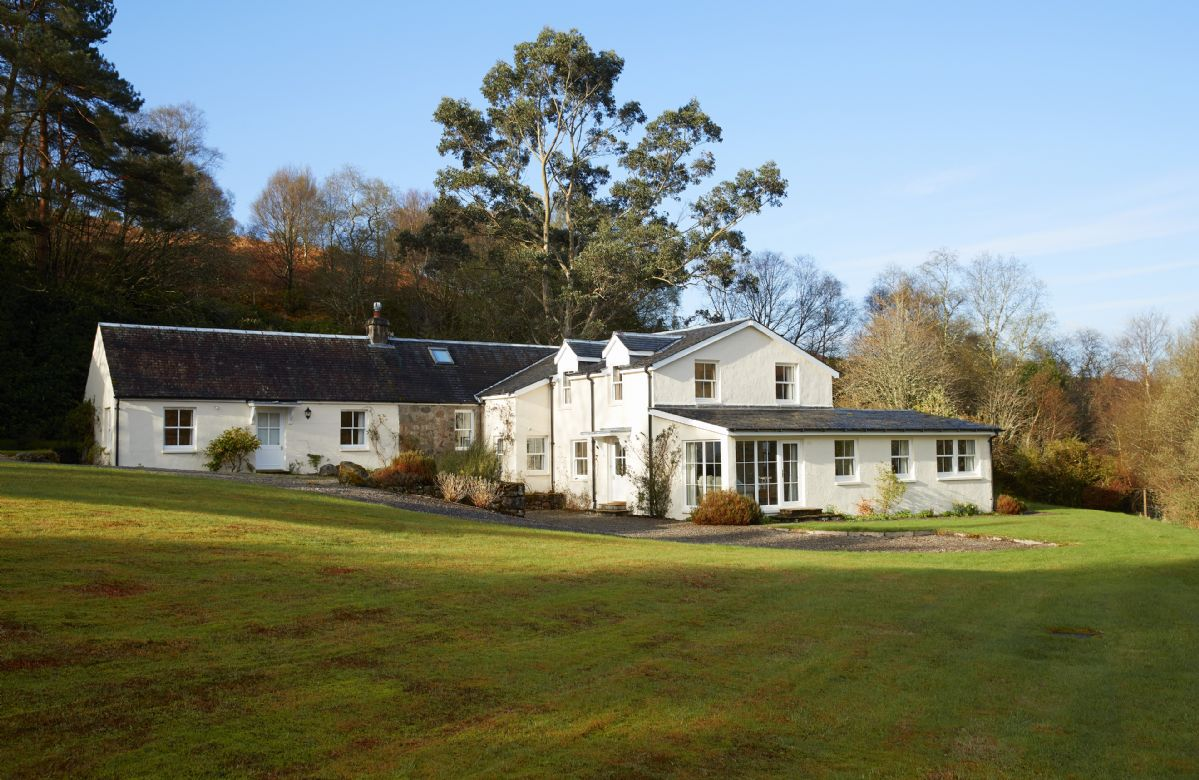 Port na Mine a holiday cottage rental for 12 in Inverawe,