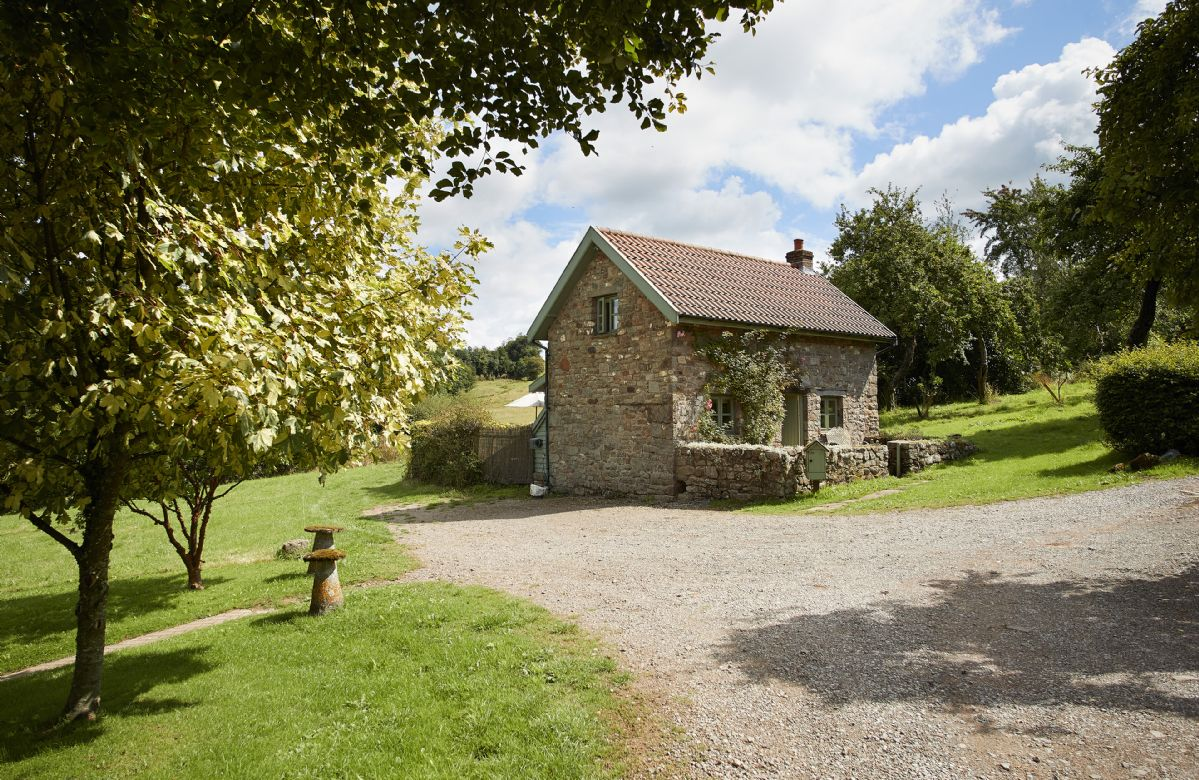 Orchard Cottage a holiday cottage rental for 2 in Penterry,