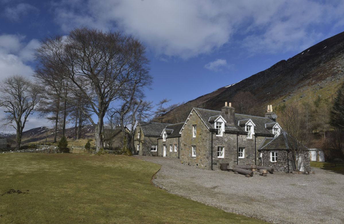 Conichan a holiday cottage rental for 4 in Auchnafree,