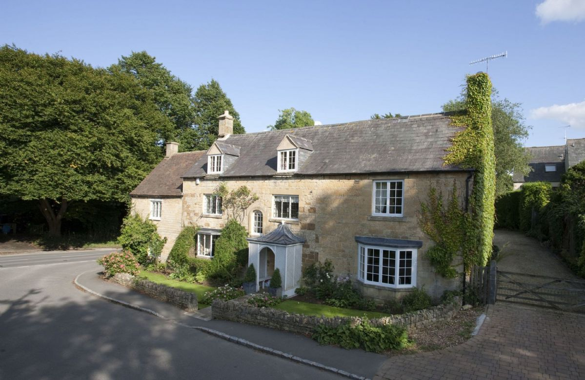 Wolds End House a holiday cottage rental for 8 in Chipping Campden,