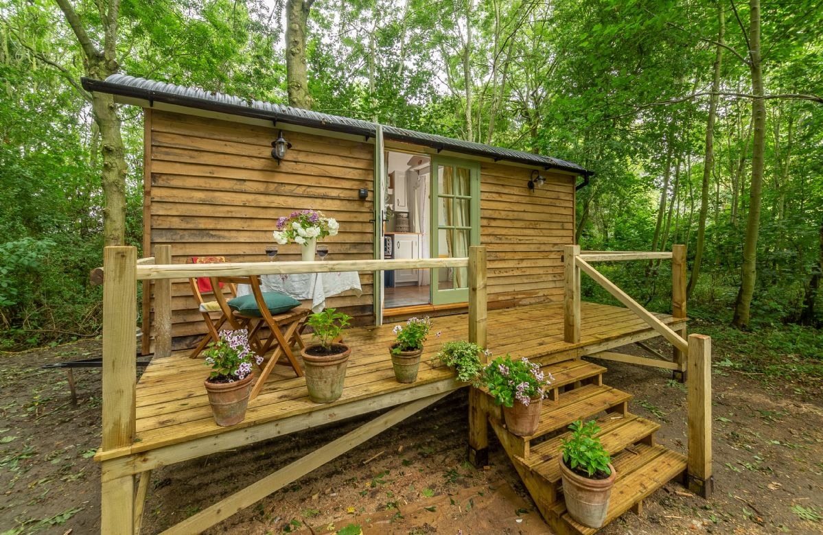 Woodland Retreat Shepherd's Hut a holiday cottage rental for 2 in Brundish,