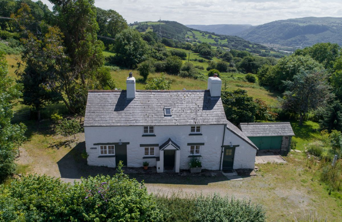 Bryn Rhydd a holiday cottage rental for 4 in Bodnant Estate,