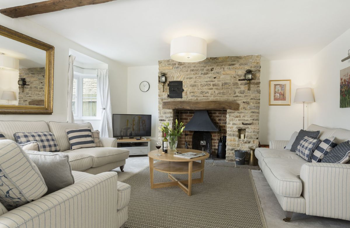 Upper End House a holiday cottage rental for 7 in Shipton-under-Wychwood,