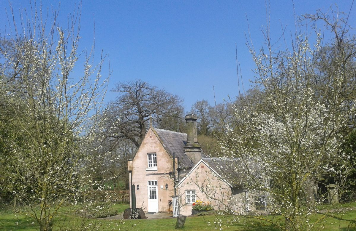 Stone Lodge a holiday cottage rental for 4 in Whitchurch,