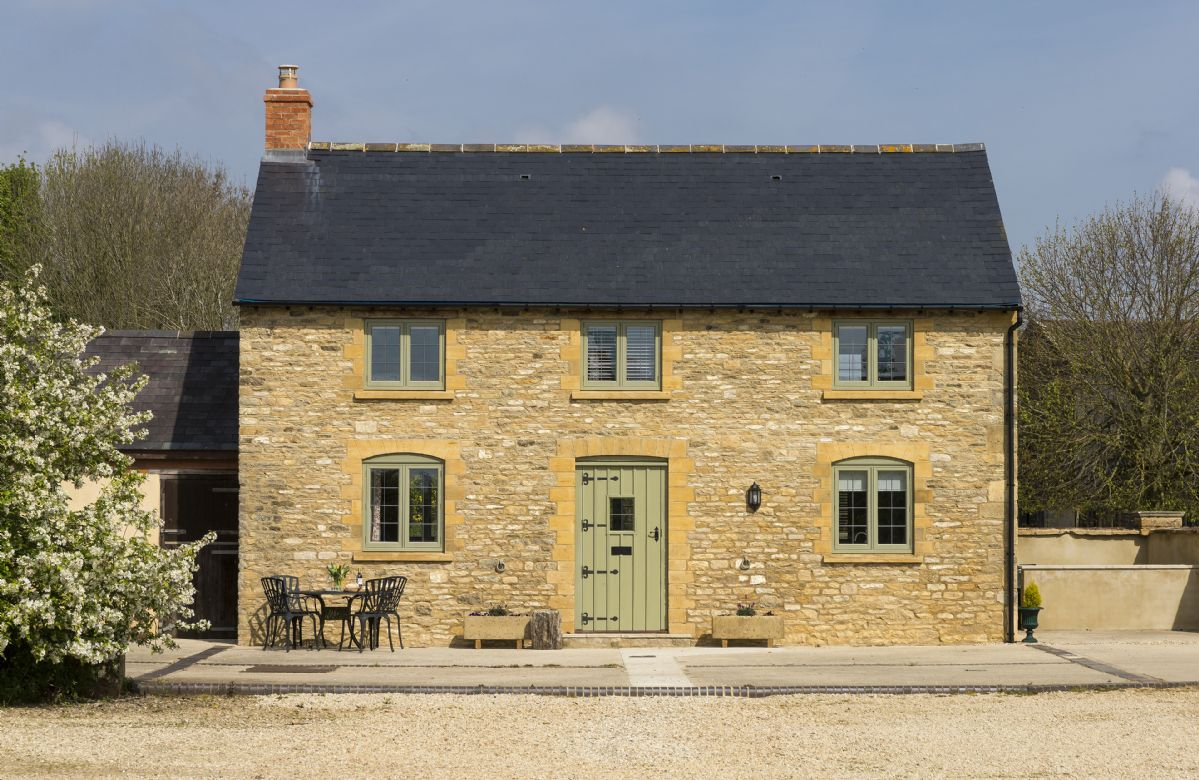 Alysas Cottage a holiday cottage rental for 5 in Chipping Norton,