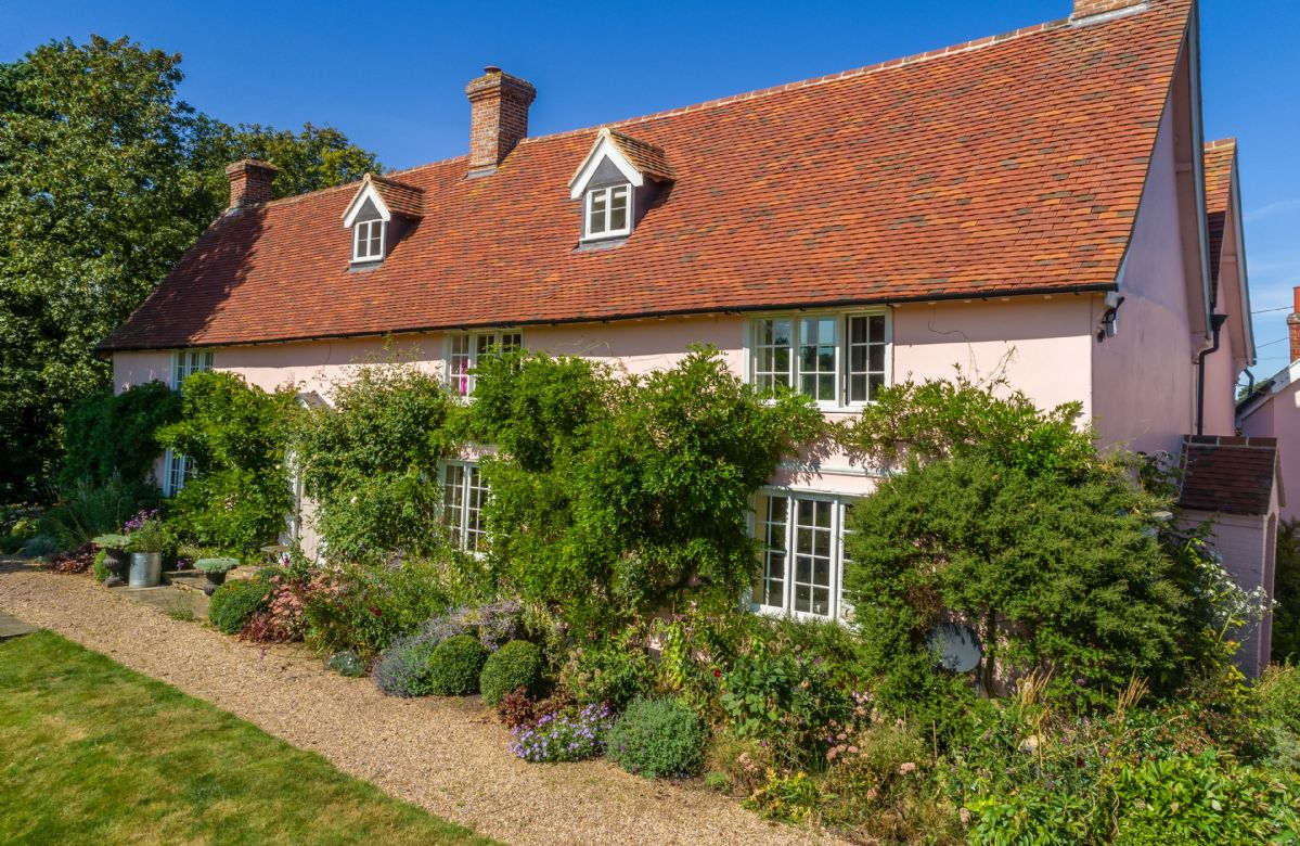 Cockerells Hall a holiday cottage rental for 9 in Buxhall,