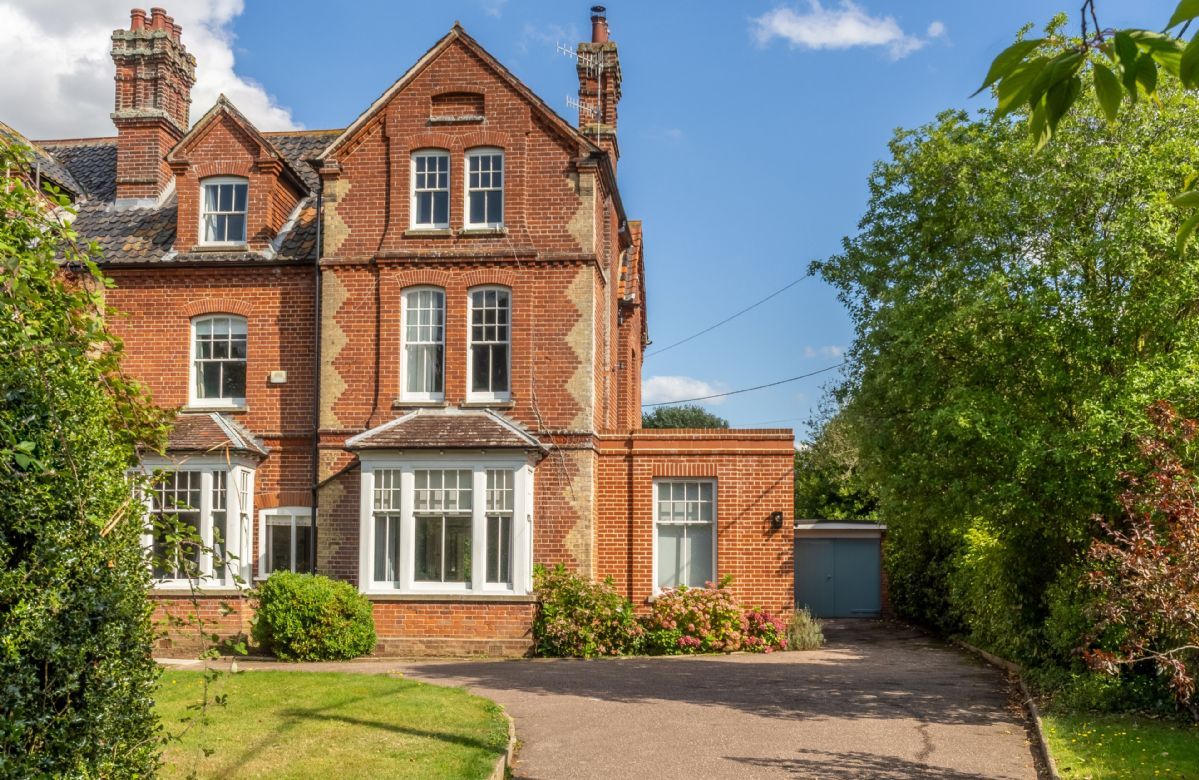Belstead House a holiday cottage rental for 12 in Aldeburgh,