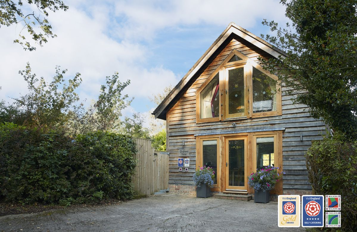 Orchard View a holiday cottage rental for 4 in Pulverbatch,