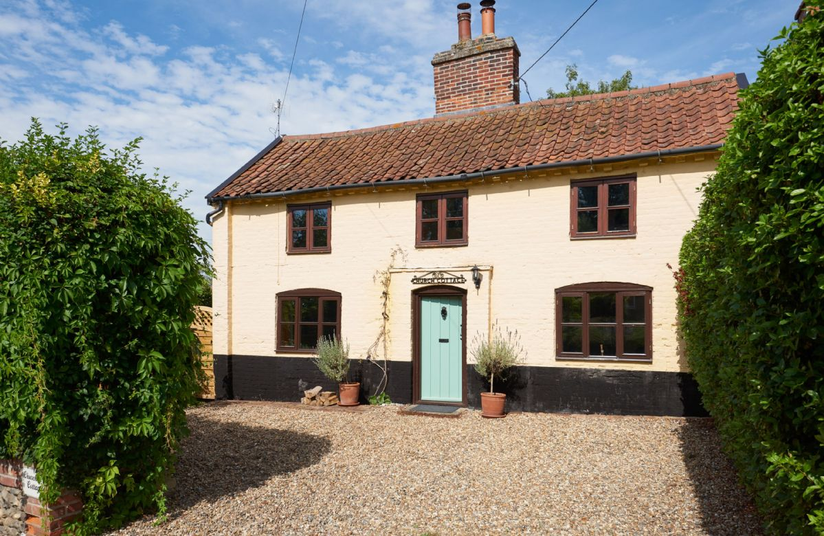 Church Cottage a holiday cottage rental for 5 in Walpole,