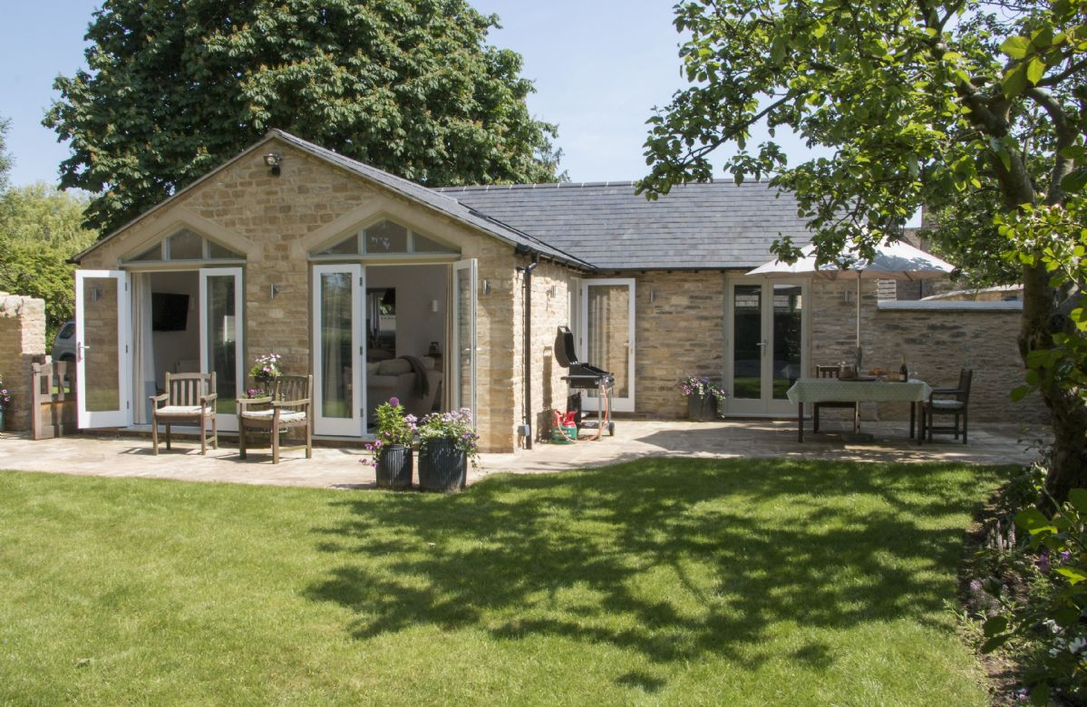 Hunter Cottage a holiday cottage rental for 2 in Clanfield,