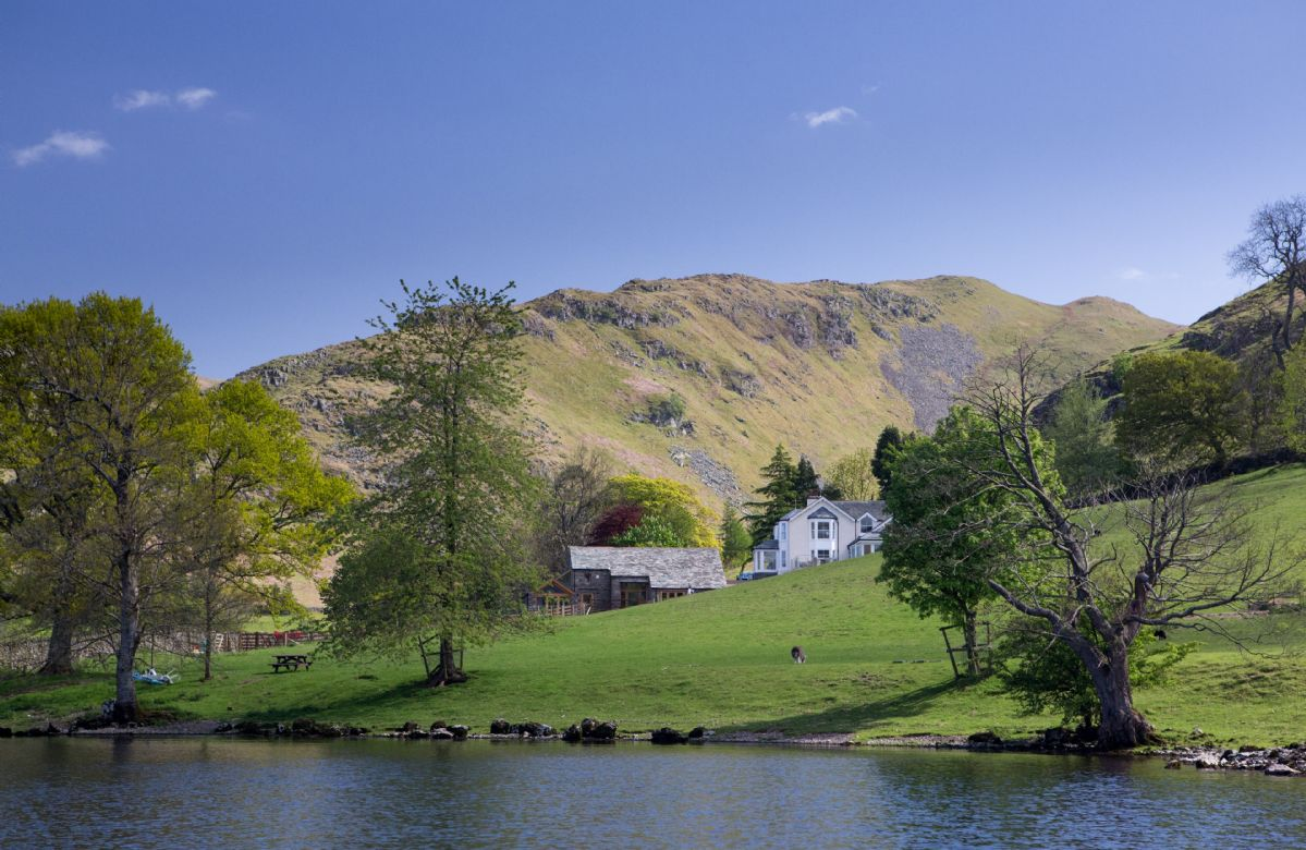 Waternook and The Great Barn a holiday cottage rental for 18 in Ullswater,