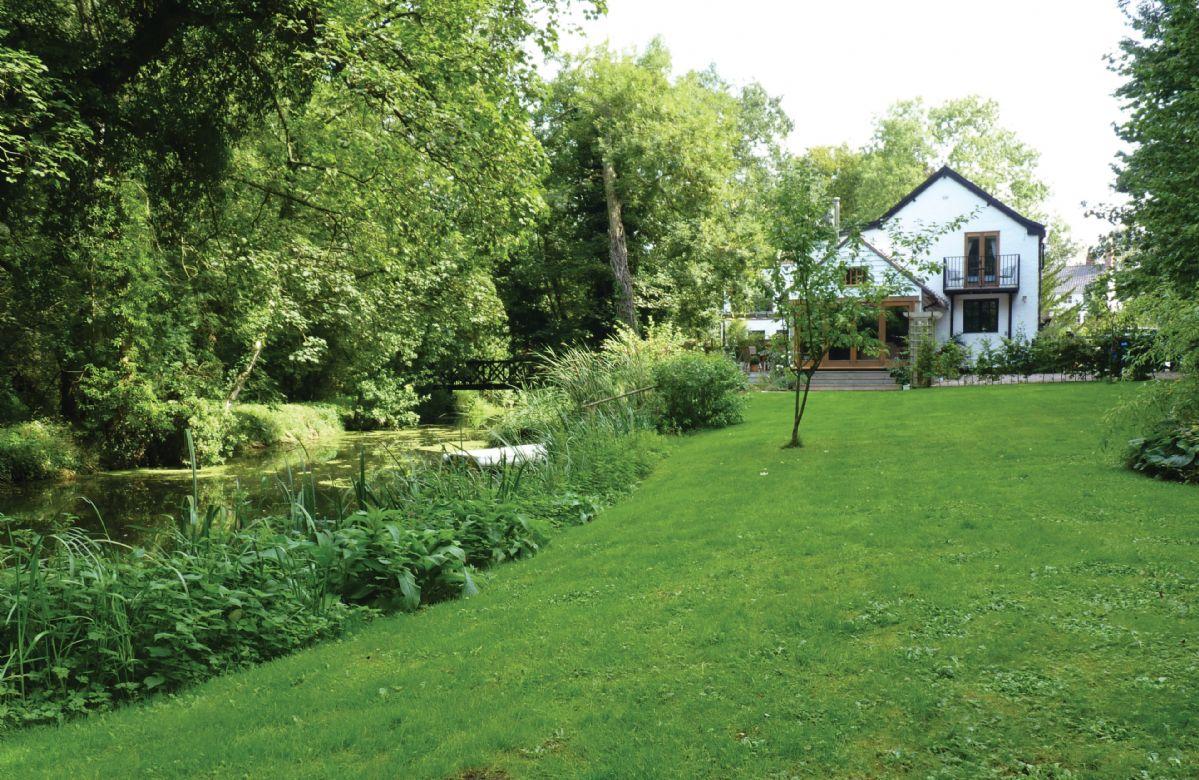 Image of Riverside Cottage