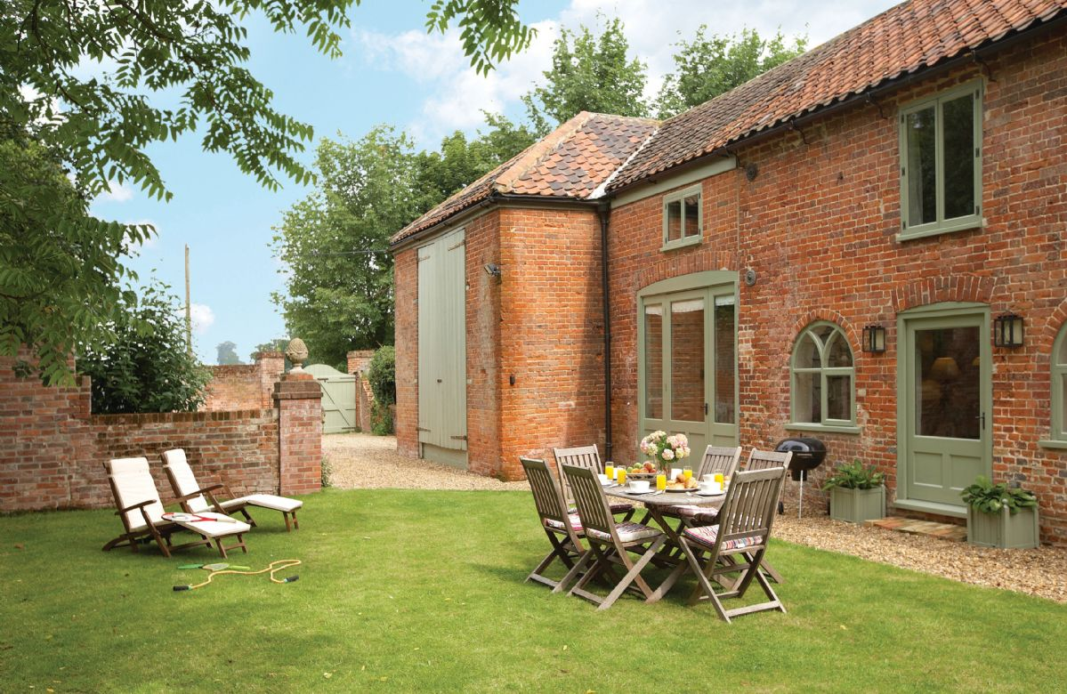Coach House a holiday cottage rental for 6 in Banningham,