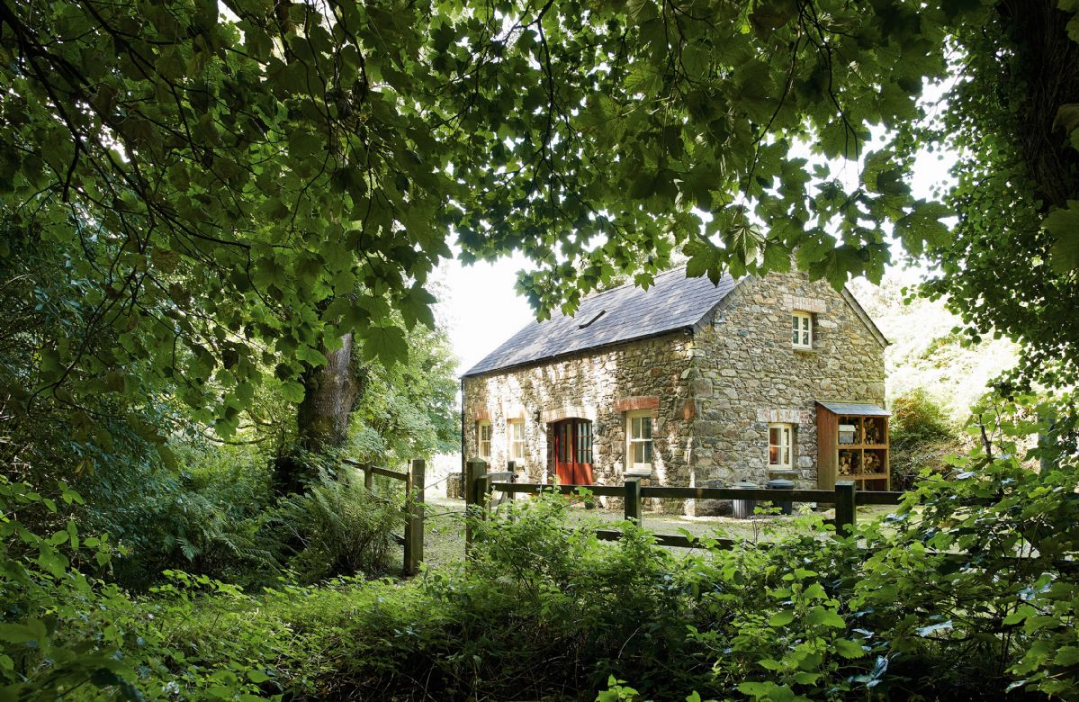 Cwm Bach a holiday cottage rental for 4 in Dinas Cross,