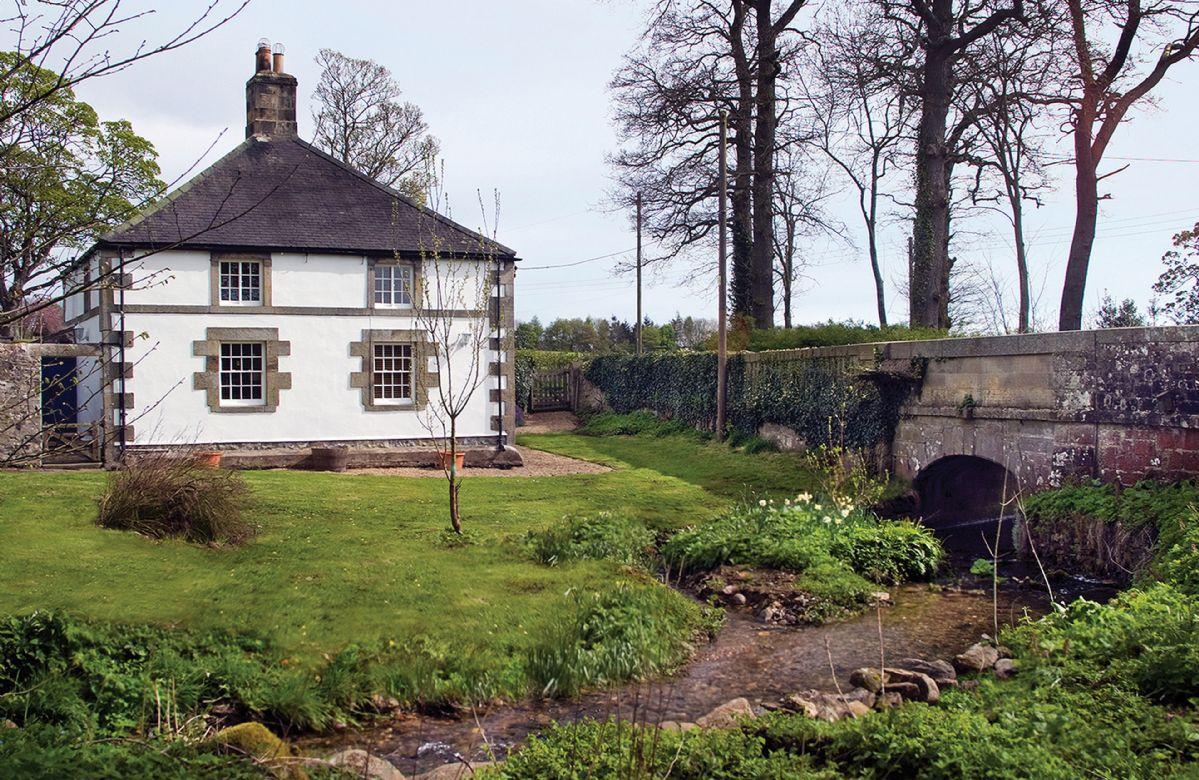 Image of Haughton Castle - White Lodge