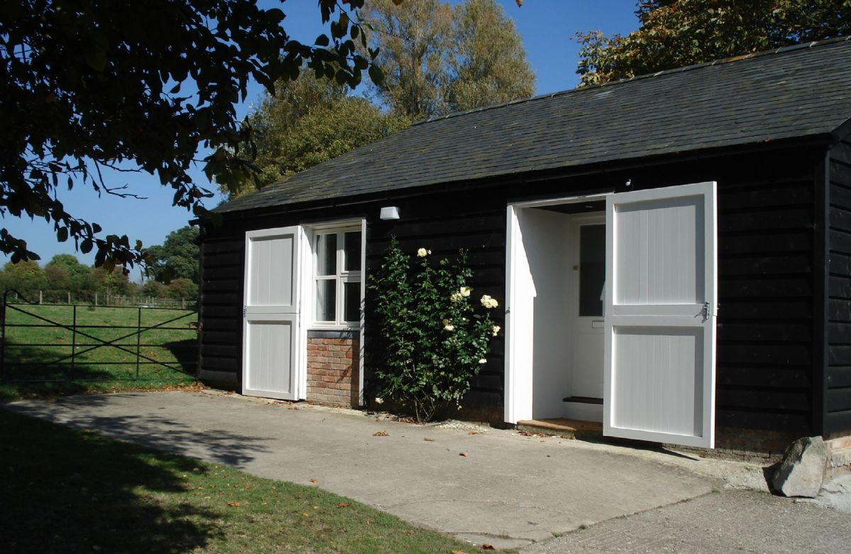 Stable Cottage a holiday cottage rental for 4 in Milton Lilbourne,