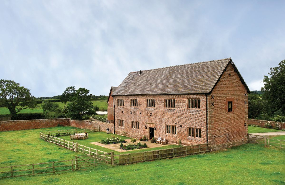 Cromwells Manor a holiday cottage rental for 8 in Nantwich,