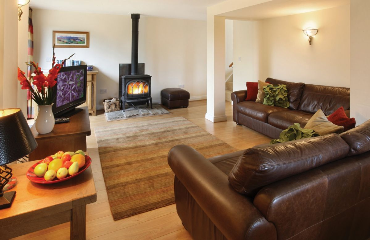 Orchard Cottage a holiday cottage rental for 6 in Rainow,