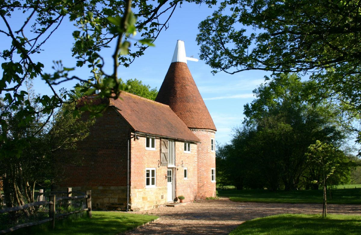 Bakers Farm Oast a holiday cottage rental for 4 in Ticehurst,