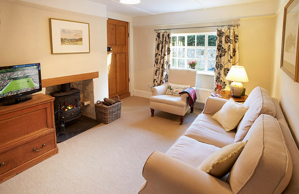 Densford Cottage a holiday cottage rental for 4 in Amberley,