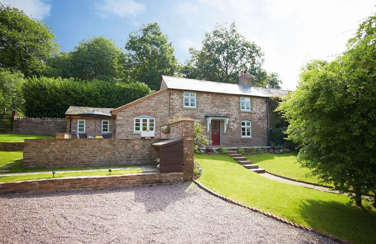 2 The Oaks a holiday cottage rental for 4 in Hoarwithy,
