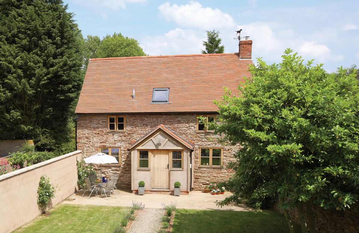 Hampton Wafre Cottage a holiday cottage rental for 4 in Docklow,
